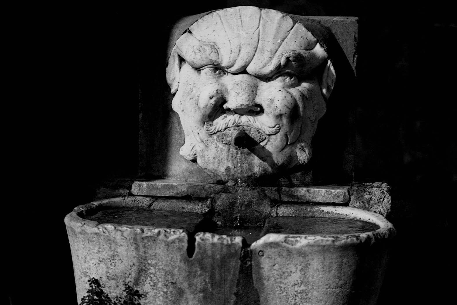 Carrara - Fontana del Boccalone