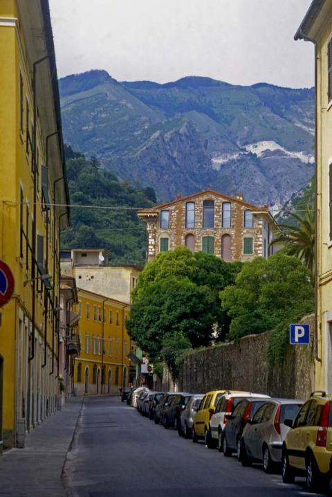 Carrara - Via Rosselli