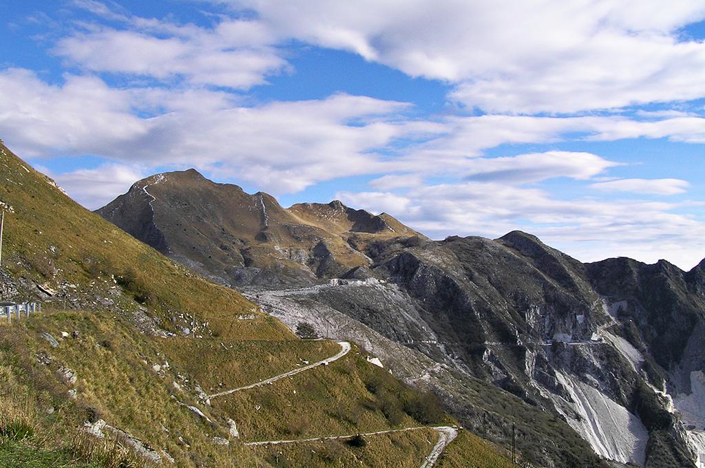 Il monte Sagro - Veduta paesaggistica