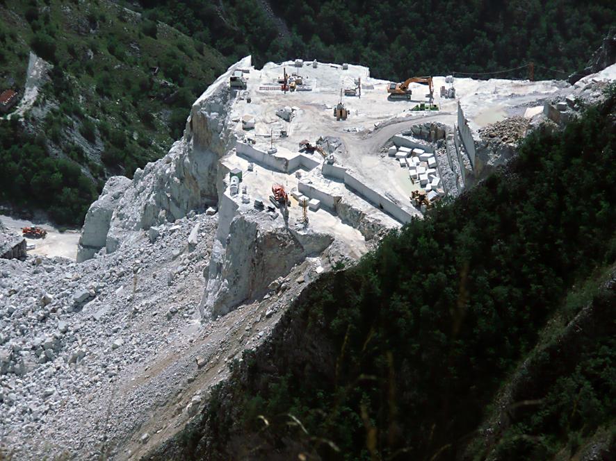 Le Cave di Marmo - Veduta paesaggistica