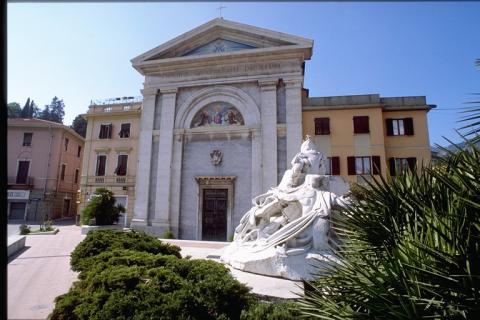 Carrara  - Chiesa delle Grazie