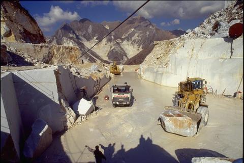Le Cave di Marmo - Piazzale